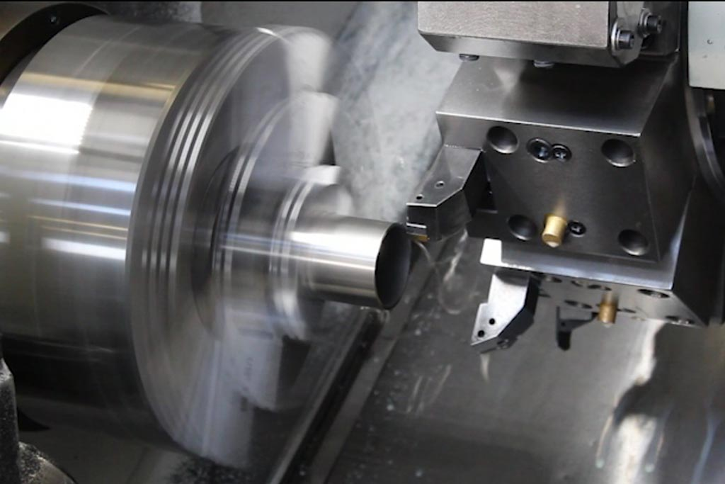 lathing of a rounded steel tube